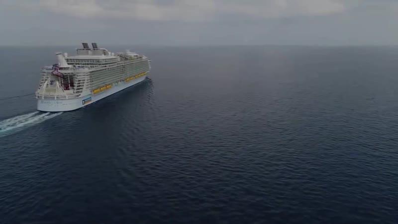 Топ-10 самых красивых круизных лайнеров мира