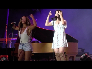 Lana Del Rey – Off To The Races (Live @ «Sziget Festival»)