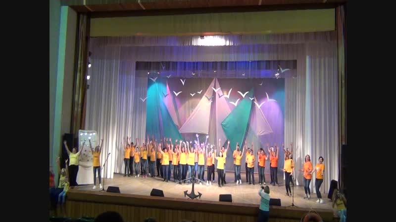 Концерт, посвященный 25-летнему юбилею Петровской школы. Номер от родителей.