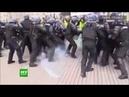Кристоф Деттингер, бывший боксер, применил свои навыки против силовиков во время протестов в Париже