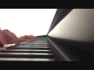 Изумительно красивая игра на пианино! Послушайте