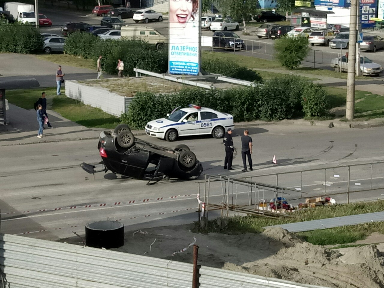 ДТП в Барнауле: автомобиль перевернулся на крышу