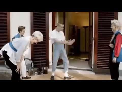 Необычный танец