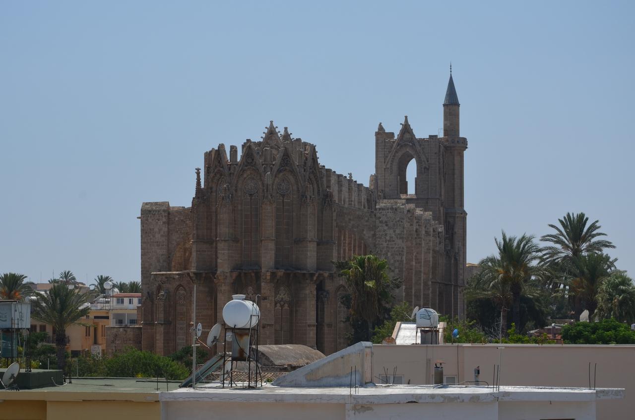 gY-_4FUB3GI Фамагуста самый интересный город Кипра.