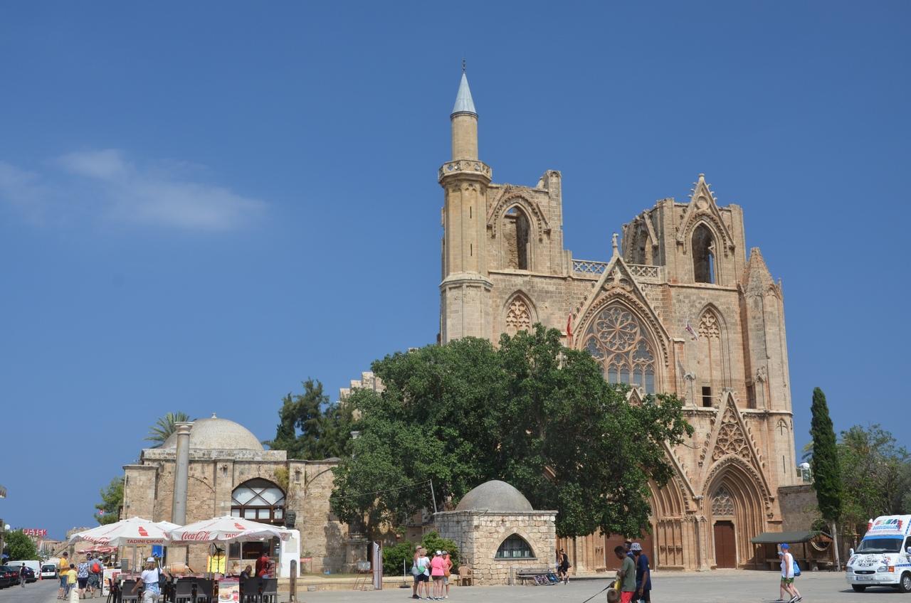 UNOlA58TQM0 Фамагуста самый интересный город Кипра.