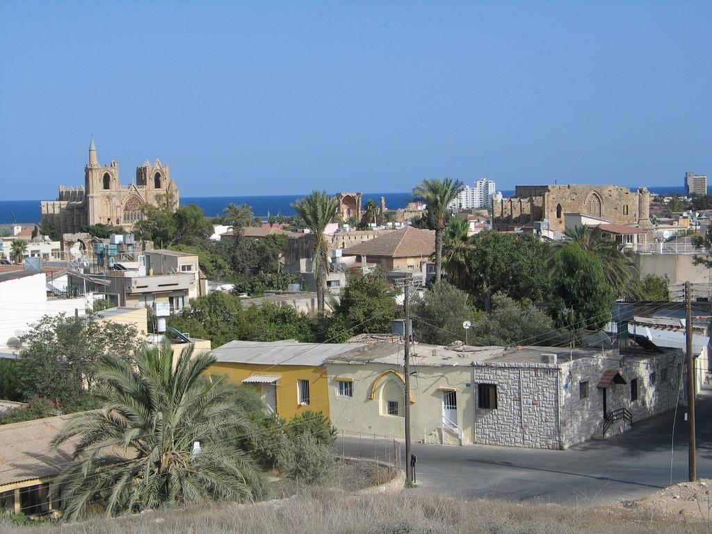 xa-jJ48FMiY Фамагуста самый интересный город Кипра.