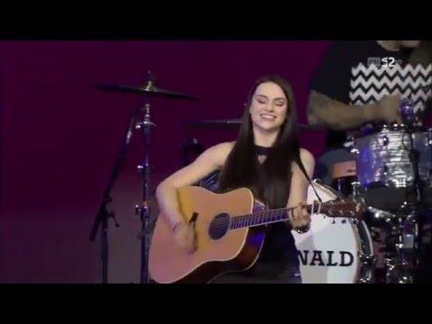Amy Macdonald - 02 - Poison Prince - Live Baloise Session 26.10.2014
