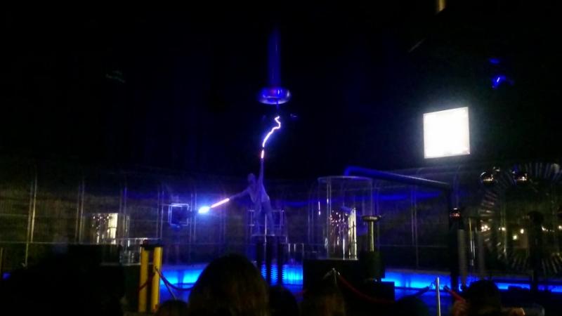 Шоу мегавольты и килоамперы в музее Technorama Winterthur CH