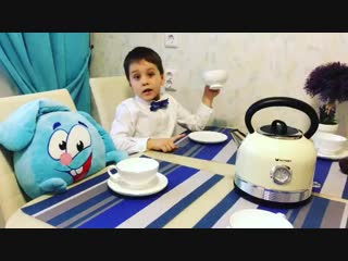 Чаепитие у зайца с чайником Kitfort KT-634-3