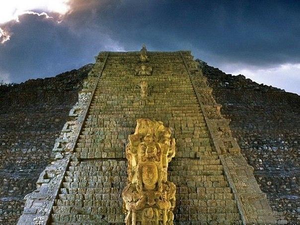 копан: блеск, кровь, хаос копан считают едва ли не главным научным центром цивилизации майя затерянный в джунглях гондураса, полуразрушенный таинственный град, ныне известный как копан, больше