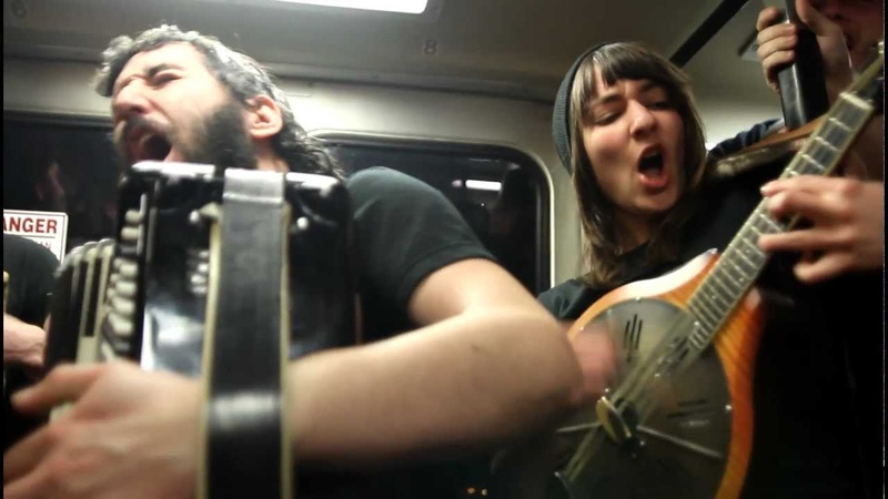 Honey in The Hair - Blackbird Raum Plays on Bart!