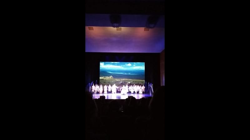В театреРусскийдраматическийтеатрАкбузатбелыйконьзлатаяптицарок-опера