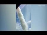 Ил-76 сбросил 40 тонн воды на сотрудников ДПС