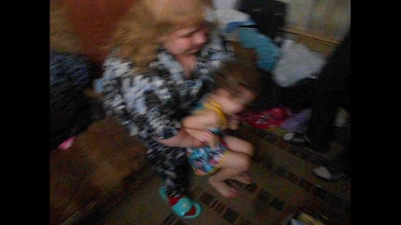 Тётя Алёна мучает Риточку