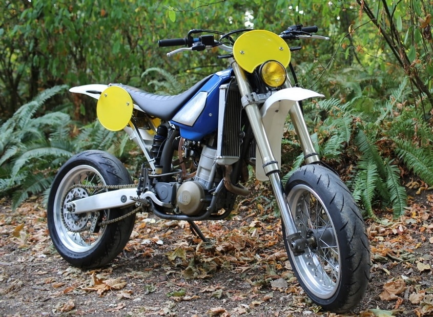 Speedy Siegl Racing: ретро супермотард Husqvarna TE610