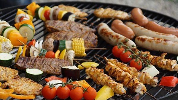 Министр здравоохранения Норвегии посоветовала всем пить, курить и есть мясо