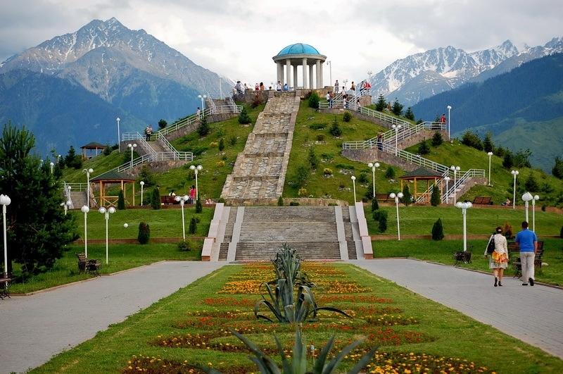 Оригинальные места для фотосессии в Алматы, Алмате, идеи для фотографий в Алматы, места для фото в Алматы, Чарынский каньон, маки в Алматы, адрес