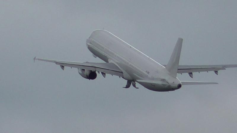 Airbus a321-231 VP-BHN авиакомпании Nordwind взлет из Бегишево 14.06.18.