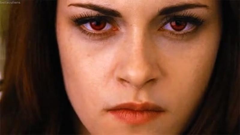 У Беллы красные глаза!:)