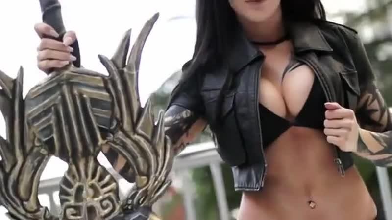 Брутальная сисястая сука music cosplay warrior tummy boobs tattoo fantasy