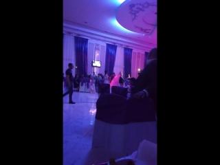 так на Азербайджанских свадьбах ввносят плов