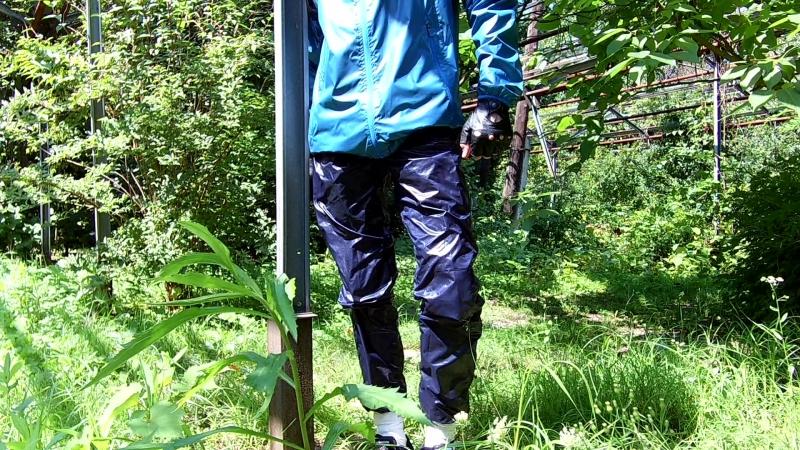 Беговые штаны из плащёвки на подкладке из плащёвки