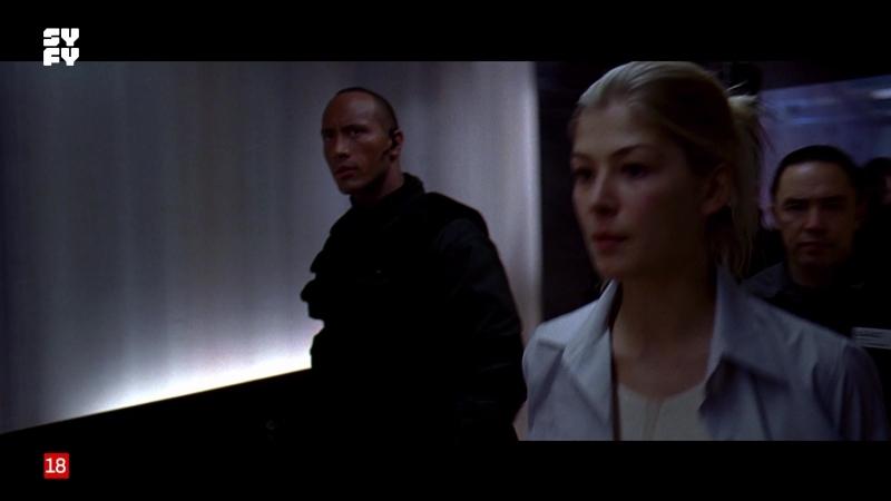 Doom (2005) sexy escene rosamund pike 01