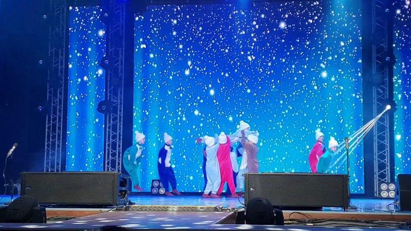 Ансамбль народного танца «Ёлочка» - Пингвины » Freewka.com - Смотреть онлайн в хорощем качестве