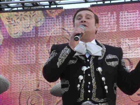 Arturo Peniche En Plaza Mexico (Que Bonito Amor 2013)