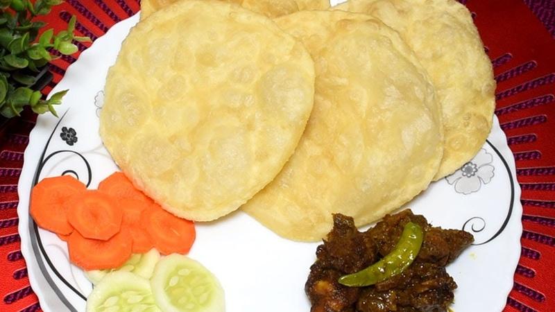 নরম ফুলকো লুচি রেসিপি | Easy Luchi Recipe | Phulko Luchi Recipe in Bangla | How to Make Luchi