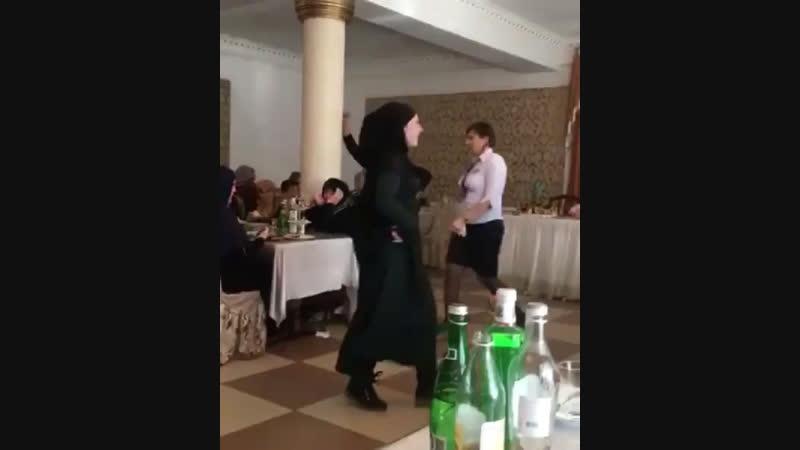 Аварцы танцуют