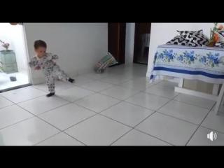 малыш и kata