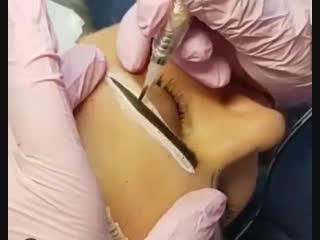 Техника нанесения пудровых бровей