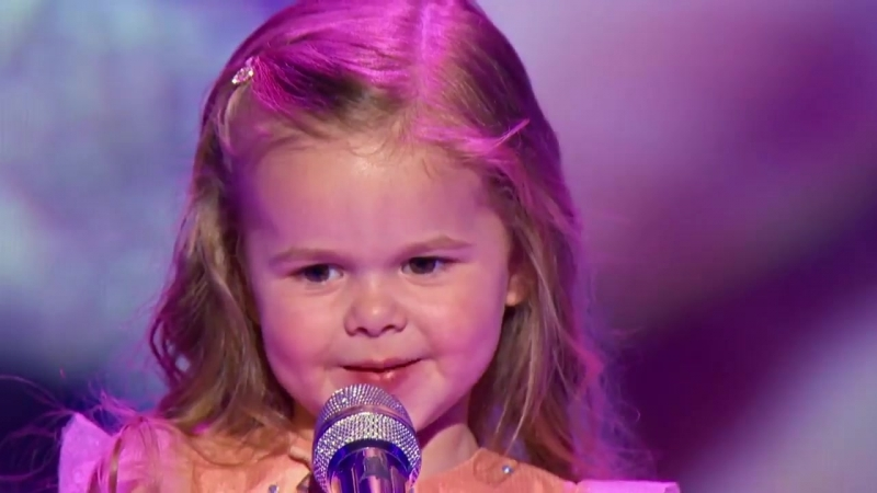 Little Big Shots Adorable 3 yr old Claire sings Little Mermaid (720p)