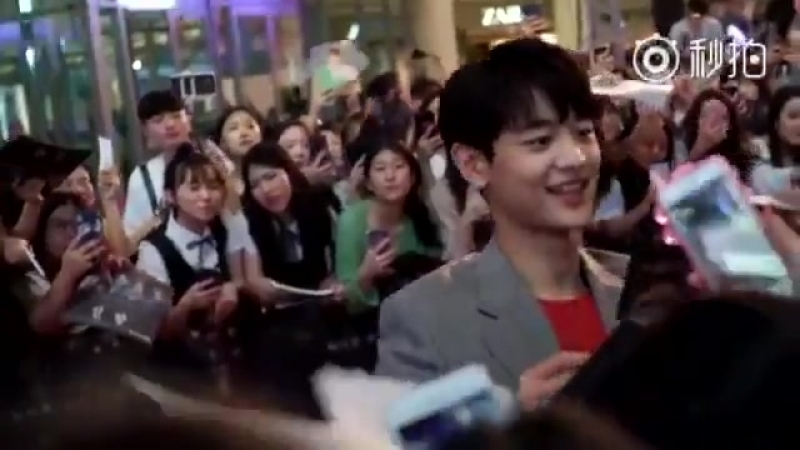 180718 INRANG The Wolf Brigade Showcase Red Carpet - and Gorgeous Actor Choi Minho went ov
