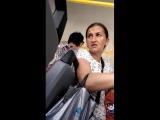 «Иди на х*р!». Попрошайка в автобусе Белгорода с больным ребёнком
