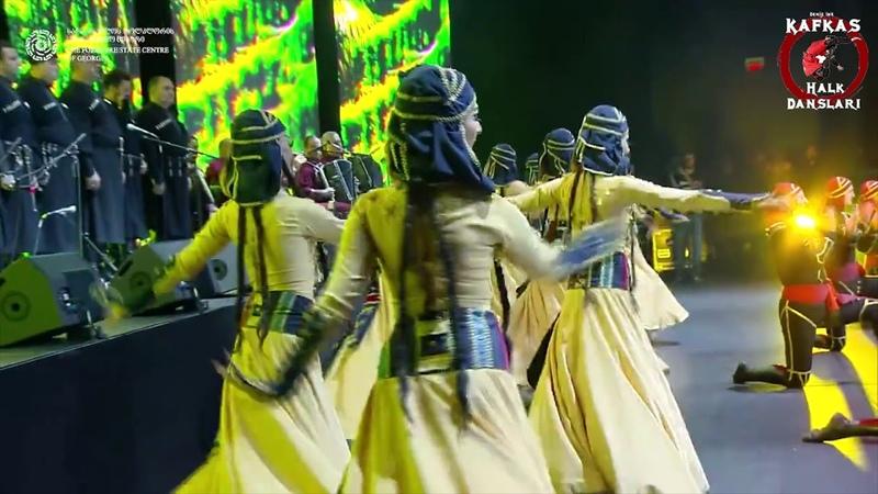 ACHARULİ GANDAGANA DANCE ENSEMBLE RUSTAVİ BLACK SEA ARENA BATUM KONSERİ 2017