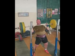 Александр Клюшев жмет стоя 150 кг на 8 раз