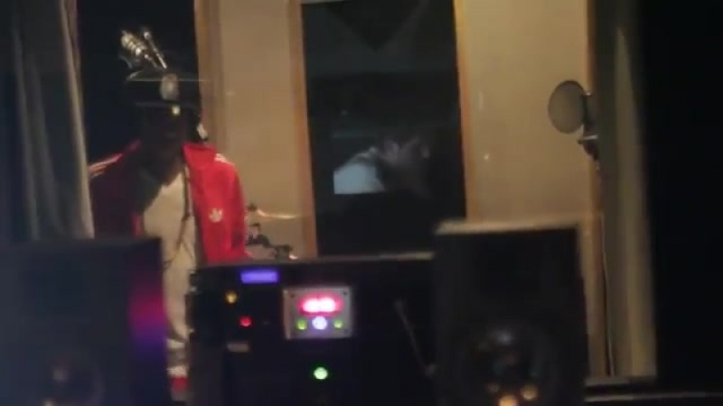 [v-s.mobi]Inside Future Music Studios Tyga Recording Pop Like This @ Future Music Studios.mp4