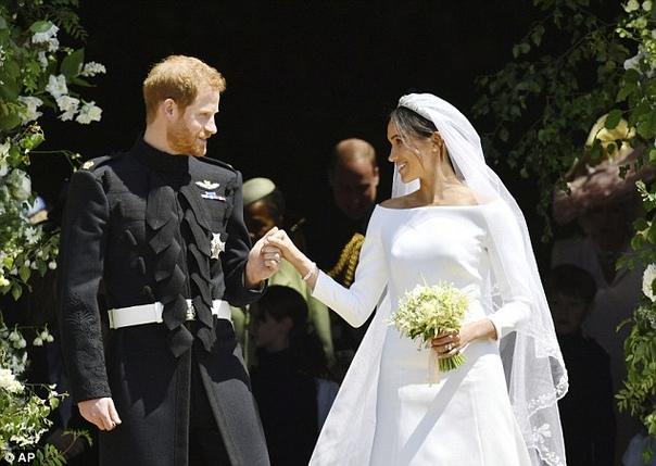 Отец Меган Маркл попросил королеву Великобритании помочь ему помириться с дочерью Отец герцогини Сассекской, жены принца Гарри Меган Маркл сообщил, что попросил королеву Великобритании Елизавету