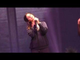 Lana Del Rey – Off to the Races (Live @ «Mediolanum Forum» / LA To The Moon Tour)