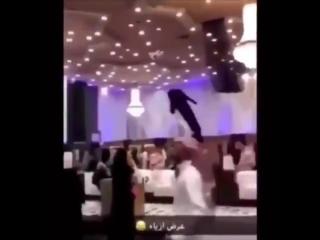 Saudi modeshow med droner