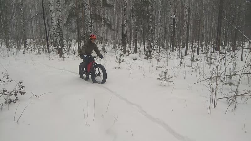 Fat bike adventure snow. bike Sarma and Surly tires
