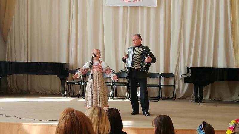 Фестиваль в муз школе открыла Варварушка
