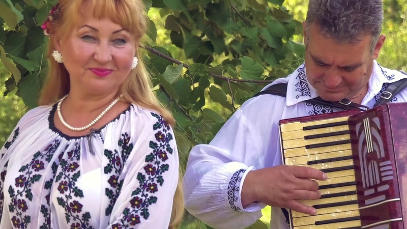 Paula si Gigi Tita - Hai cu hora