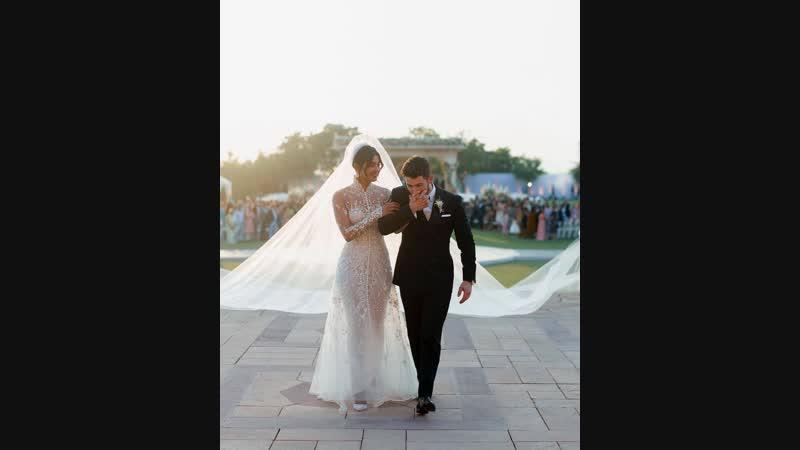 Длинная фата на свадьбе Ника Джонса и Приянки Чопры