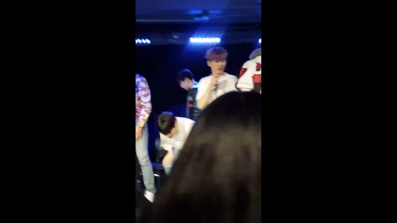 VK 180814 MONSTA X fancam @ 1043 MYfm