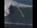 Большие волны в Назаре