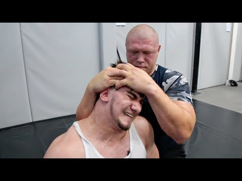 Чеченский школьник vs Макс! Это жесть