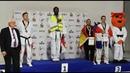 Un champion Français sur le podium avec un gilet jaune La peste brune ?